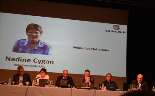 La représentante féminine et responsable du TEREYGEOL présente les dates du prochain tournoi